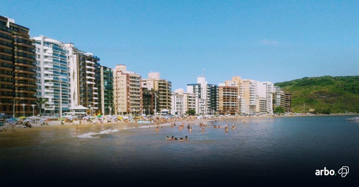 bela praia para quem busca casa em guarapari