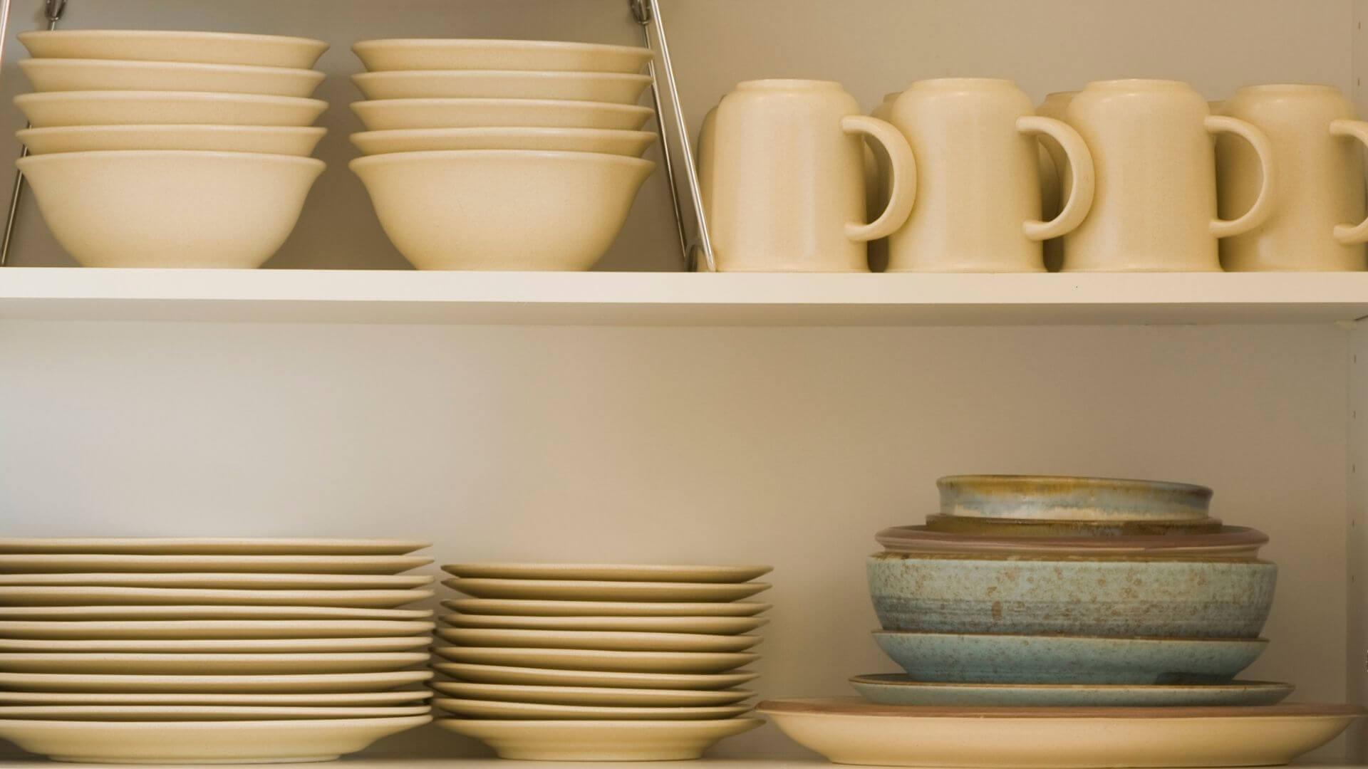 dicas de como organizar armário de cozinha