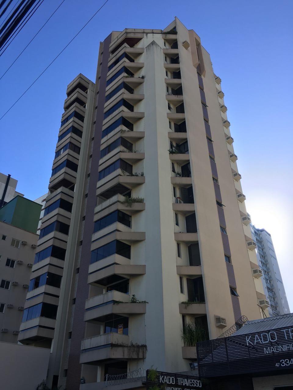Apartamento no centro de Itajaí com 3 quartos, Itajaí